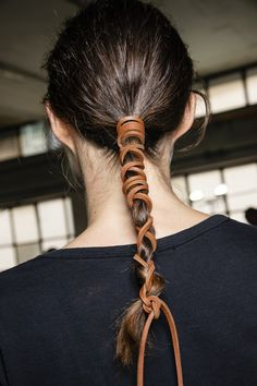 The Best Backstage Hair Looks From Fashion Week Die besten Backstage-Frisuren der Fashion Week Ponytail Styles, Curly Hair Styles, Natural Hair Styles, Cute Hairstyles, Braided Hairstyles, Braided Locs, Hairstyles 2018, Updo Hairstyle, Wedding Hairstyles