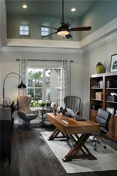 Nice 43 Extraordinary Small Home Office Design Ideas With Traditional Themes. When it comes down to it, we all work from home. Cozy Home Office, Home Office Setup, Home Office Space, Home Office Desks, Home Office Furniture, Office Ideas, Office Style, Home Office Lighting, Office Spaces