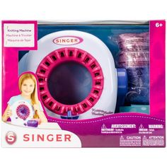 Genial máquina para tejer en crochet. Con esta maquina manual puedes tejer gorros, medias y bufandas para niñas. Se vende en Amazon, Ebay, Mercado Libre y otros locales.