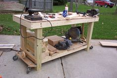 I finally created a system to raise and lower the casters on my workbench-dcp_2339.jpg