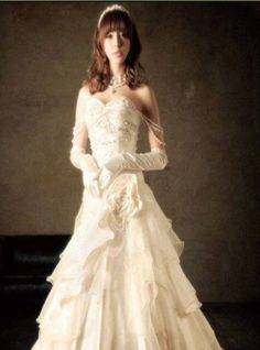 2014 Fall Strapless Tulle bridal gown with Natural waist. Looks like a possible wedding gown for Belle from beauty and the beast! Outdoor Wedding Dress, Cute Wedding Dress, Fall Wedding Dresses, Colored Wedding Dresses, Wedding Gowns, Tulle Wedding, Mermaid Wedding, Perfect Wedding, Wedding Events