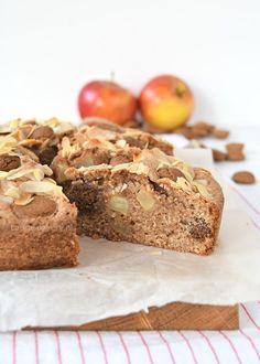 Appel-speculaas amandelcake - Laura's Bakery Dutch Recipes, Apple Recipes, Healthy Dessert Recipes, No Bake Desserts, Healthy Food, Cake Recept, High Tea, A Food, Banana Bread