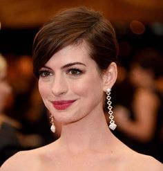 100 Short Hairstyles for Women 2014: Anne Hathaway  #hairstyles #shorthairstyles