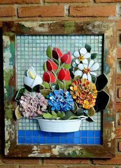 Quadro em Mosaico. Retirado do facebook. Mosaic Pots, Mosaic Garden, Mosaic Glass, Mosaic Tiles, Glass Art, Tiling, Mosaic Artwork, Mirror Mosaic, Mosaic Crafts