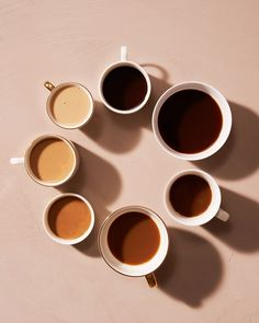 coffee aesthetic coffee cup via Cream Aesthetic, Aesthetic Coffee, Brown Aesthetic, Coffee Art, Coffee Cups, Drip Coffee, Coffee Jelly, Coffee Drinks, Coffee Tasting