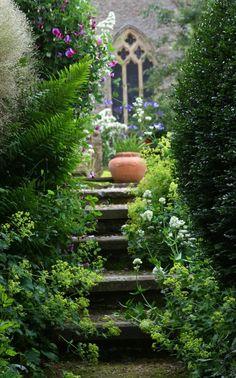 Steps and flower garden landscaping design The Secret Garden, Secret Gardens, Garden Cottage, Home And Garden, Garden Steps, Garden Path, Lush Garden, Enchanted Garden, Garden Spaces