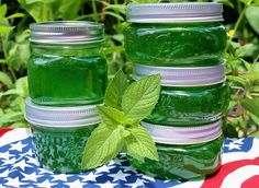 Menta lekvár: nem csak finom, de a szervezet számára is igen hasznos! Jelly Recipes, Jam Recipes, Canning Recipes, Healthy Recipes, Mint Jelly, Jam And Jelly, Antipasto, Best Italian Recipes, Romanian Food