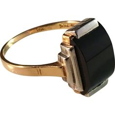 Art Deco 18k Gold Onyx Ring. Swedish import, German Origin 1920s.