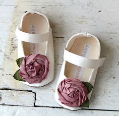 Pretty baby girl shoes!