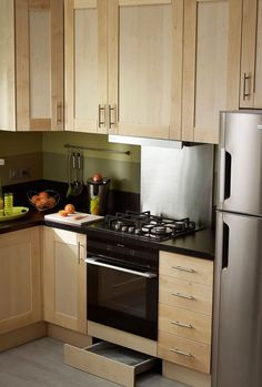 Aménager petite cuisine : astuces pour gagner de la place, rangement - Côté Maison
