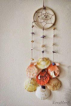Seashell Art, Seashell Crafts, Beach Crafts, Diy And Crafts, Arts And Crafts, Seashell Wind Chimes, Wooden Crafts, Diy Tumblr, Craft Projects