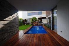 modern residence 51 Contemporary Home in Mexico Displaying Interesting Architecture Details