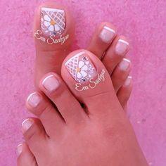Pretty Toe Nails, Cute Toe Nails, Cute Nail Art, Pedicure Designs, Toe Nail Designs, Red Nails, Hair And Nails, Summer Toe Nails, Wedding Nails Design