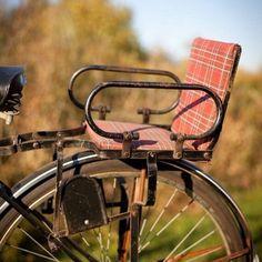Velo Retro, Velo Vintage, Vintage Bicycles, Vintage Style, My Childhood Memories, Sweet Memories, School Memories, Child Bike Seat, Nostalgia