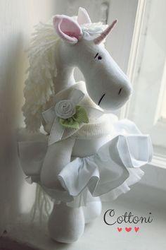 Handmade velvet unicorn COTTONI www.annaporeda.blogspot.com