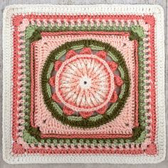 MamaMellie's Prince Protea Square ~ free pattern and color inspiration