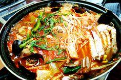 해물탕 (SEAFOOD STEW)