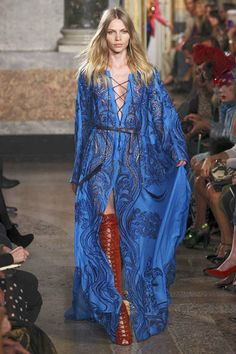 See the entire collection from the Emilio Pucci Spring 2011 Ready-To-Wear runway show.