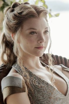 """Natalie Dormer as Margaery Tyrell of House Tyrell in """"Game of Thrones'"""" (HBO Natalie Dormer Boyfriend, Natalie Dormer Interview, Natalie Dormer Wallpaper, Margery Tyrell, Natalie Domer, Game Of Thrones, Hollywood Actresses, Beauty Women, Sexy Cartoons"""