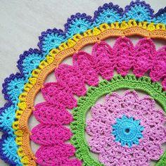 Weaving Crafts in Crochet: Wonderful Wipes with Graphic! Motif Mandala Crochet, Crochet Leaf Patterns, Crochet Pillow Pattern, Crochet Motifs, Doily Patterns, Crochet Designs, Crochet Stitches, Crochet Home, Love Crochet