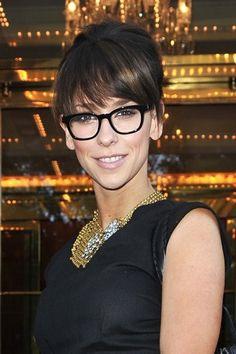 bde8856890b Jennifer Love Hewitt in Eyeglasses Glasses For Long Faces