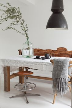 my scandinavian home: A touch of Autumn in a stunning Dutch home Home And Living, Home And Family, Living Room, Dining Room Inspiration, Interior Inspiration, Modern Furniture, Home Furniture, Piece A Vivre, Autumn Home
