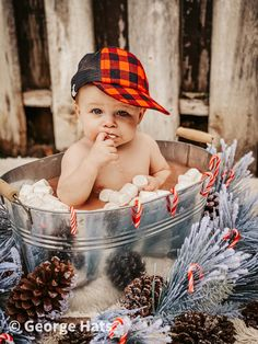Fall Baby Pictures, Baby Boy Photos, Toddler Christmas Photos, Christmas Baby, Xmas, Baby Milk Bath, 6 Month Baby Picture Ideas, Monthly Baby Photos, Foto Baby