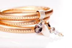 bransoletka skórzana, złota (proj. Motivart), do kupienia w DecoBazaar.com