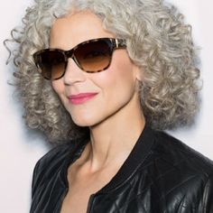 curly grey hair -a style for later, when I am ready to lose the color Grey White Hair, Grey Curly Hair, Silver Grey Hair, Short Grey Hair, Haircuts For Curly Hair, Hair A, Curly Girl, Curly Hair Styles, Natural Hair Styles