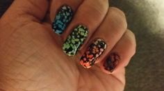 Gel gradient mani using CND additives. Stamping plate Vivid Lacquer 009 and Mundo de Unas polish.