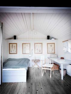 cabin bedroom