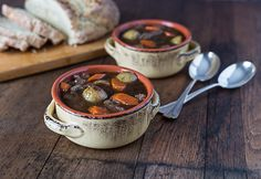 A recipe for Irish Guiness stew made with beef or lamb. | ethnicspoon.com