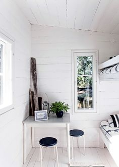 my scandinavian home: A beautiful pared-back Finnish cabin Scandinavian House, Scandinavian Interior, Archipelago, Hygge, Summer House Interiors, Summer Cabins, White Cottage, White Cabin, Small Space Living