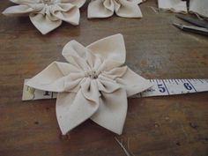 Love Hats: How to Make Ribbon Trimmings for Millinery