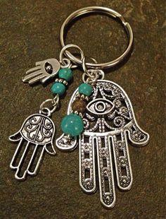 Resultado de imagen para llaveros de bisuteria Paracord Keychain, Diy Keychain, Handmade Keychains, Handmade Jewelry, Car Key Ring, Beads And Wire, Jewelry Crafts, Beaded Jewelry, Creations