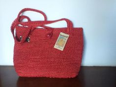 Item # 329BC03MT  Name : Cabuya   Size : 9.84 x 13.78 inches26 x 33 cms  Weight : 17.64 ounces5 00 grs   Description :Crochet in Fique in Color   Red.      Price:   Eur0s$16.10