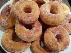 Rosquillas de vainilla, receta fácil y deliciosaبيني سهل وهشيش / comida de Marruecos. Sweet Desserts, Sweet Recipes, Beignets Sans Gluten, French Eggs, Fried Donuts, Doughnuts, Beignet Recipe, Gluten Free Donuts, Fruit Yogurt