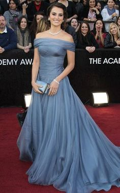 Penelope Cruz in Armani Prive blue gown