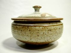 Hand Thrown Bowl Soup Tureen Large Art Pottery Tan Brown Speckled Signed Studio