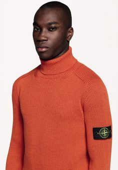 6315 Stone Island _ AW '015 '016 _ 535C2 Turtleneck knit in full rib light wool. www.stoneisland.com