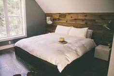 Cool 60 Rustic Master Bedroom Ideas https://idecorgram.com/106-60-rustic-master-bedroom-ideas