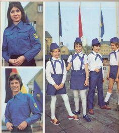 Seite aus einem Versandhauskatalog mit Uniformen - #FDJ und #Junge_Pioniere ---- Page from a catalogue for FDJ and Thälmann Pioneer uniforms.