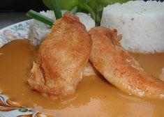 Kuřecí prso se svěží omáčkou z čerstvých paprik recept - TopRecepty.cz Chicken Wings, French Toast, Meat, Breakfast, Food, Red Peppers, Morning Coffee, Essen, Meals