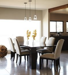 Photo Gallery: Home Organization Tricks I love this dining room set . Dinning Set, Dining Room Design, Dining Table, Michael Buble, Interior Styling, Interior Design, Celebrity Houses, Celebrity Mansions, Traditional House