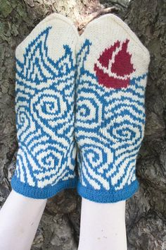 perfect storm mittens - twist collective