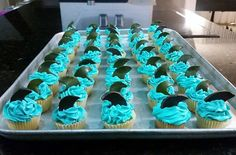#mini #cupcakes #blue #vainilla #cream #shark #sea #ocean #cute #delicious #hot