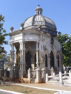La Habana, Necrópolis Cristóbal Colón - Cuba by Sly's, via Flickr