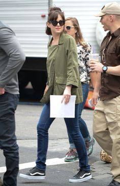 Dakota on How To Be Single Set - 17 June 2015 - Trailer Online Scenes Set 2017 - Fifty Shades Darker Movie