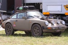 Porsche 911 with a lift kit looks like a Paris to Dakar Rally car Porsche 911, Carros Porsche, Porsche Autos, Ferdinand Porsche, 4x4, Colani, Offroader, Bug Out Vehicle, Lifted Cars