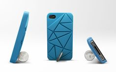 Coin 4 / iPhone 4 case, take a ten NT dollar coin and insert indifferent gaps to find the most appropriate standing angle for the mobilephone upon your preference. On the crossing boulevard, explore theviews in every place, find the corner in your dream and stay there quietly.